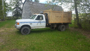 1989 Ford F-450 Pickup Truck