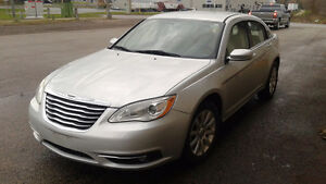 2011 Chrysler 200 Touring.  Great Price for a Great Car!! Kitchener / Waterloo Kitchener Area image 3