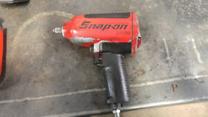 Snap-on mg725 1/2 inch air impact gun.