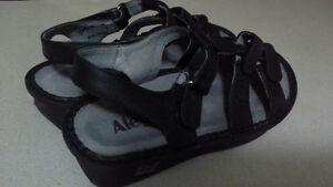 Alegria sandals size 38