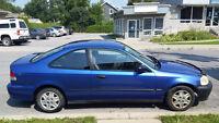 Honda Civc Coupe 2000 à vendre! 1900$ Négo