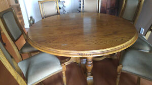 Solid Oak round dining table & chairs set