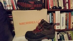 MERRELL WINTER BOOTS,VERY GOOD CONDITION