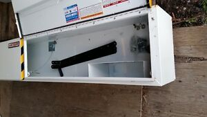 2 NEW WEATHER GUARD 8 FT HI SIDE BOXES Oakville / Halton Region Toronto (GTA) image 3