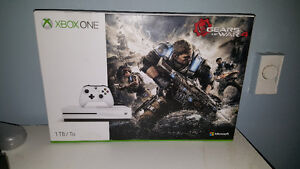 Xbox One 1TB Brand New in Box Gear of War 4