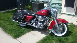 For sale 1999 Harley Davidson Roadking $8500.00   5199809036