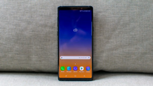 GALAXY NOTE 9 128 GB 2 MONTHS OLD TRADE FOR IPHONE!