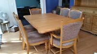 Solid oak Dining room Suite and Buffet Hutch