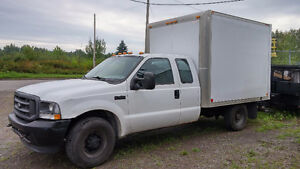 Superbe 2003 Ford F-350 super duty xl Camionnette