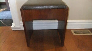 solid wood sewing stool with under the lid storage, super cond