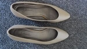 Women Shoes Size 8