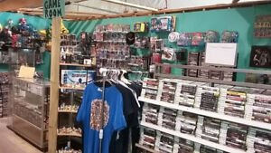 THOUSANDS OF COMICS AND VIDEO GAMES FOR SALE!!!