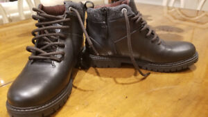 ---Brand New Zara Leather Boy's Boots, Size 36 or US 4---