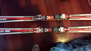SKIS MINT CONDITION SIZE 165 CM