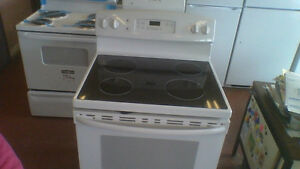 30'' GE  S|C Smooth Top  GE White Stove.