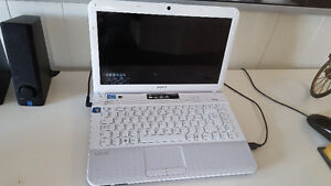 WHITE SONY VAIO .. used, excellent condition