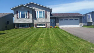Beautiful 5 Bdrm home Avail. Dec 1st for 1800 / month