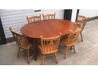 Extendable kitchen dining table (6 chairs)