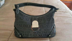 XOXO LADIES PURSE FOR SALE! MINT CONDITION! BARELY USED!
