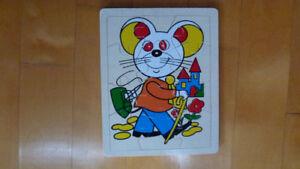 2 casse-tête en bois / 2 wooden puzzles