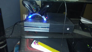 Xbox one halo edition 2 controllers with charging station