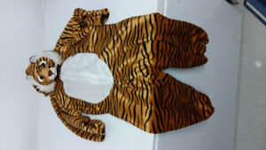 HALLOWEEN Tiger costume perfect condition like NEW