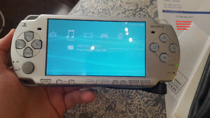 Sony PSP 3000 Mystic Silver - MODDED/HACKED