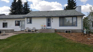 Great Family Home fore Sale in Vegreville- Plenty of SQ FT
