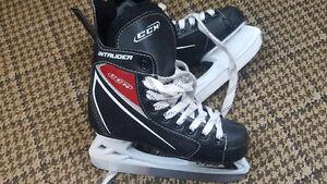 Boys size 1 CCM hockey skates