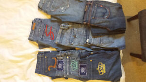 8 pairs of jeans size 27 and 28