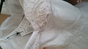 Brand new wedding dress/ prom dress/ white dress