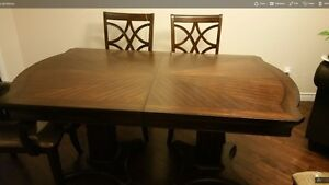 Hign end Dining Table -6 seater extendable