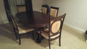 7 piece dining table set (not much used)