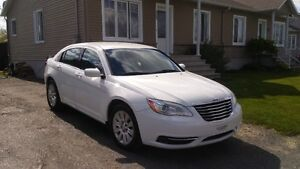 2012 Chrysler 200-Series Berline