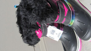 GIRLS WINTER SHOES - NEW