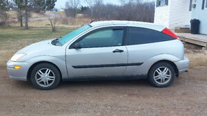 2001 Ford Focus zx3 Hatchback $1400 obo or trade send trades