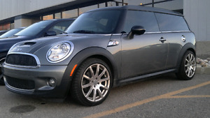 MINI CLUBMAN FOR SALE! READY TO ROLL! FULL SERVICE RECORDS!