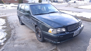 1999 Volvo v70 - needs work but great car