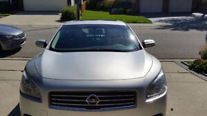 Nissan Maxima SV Sedan 2010 Fully Loaded Leather/Sunroof