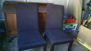 4 TABLE CHAIRS