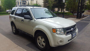 Ford Escape XLT 2011 AWD Excellent Condition
