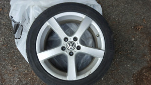"""4 × 17"""" Volkswagen Alloy Rims with New Kumho All-season Tires"""
