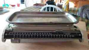 VINTAGE 20 LBS.  WEIGH SCALE MADE IN GERMANY