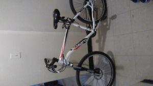 Selling schwinn moutain bike 9/10 condition