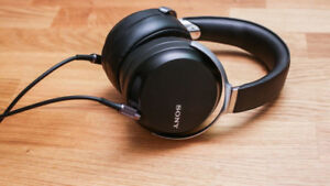 Sony High Resolution Headphones (MDR-Z7) for Sale