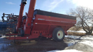 Brent 1194 grain cart