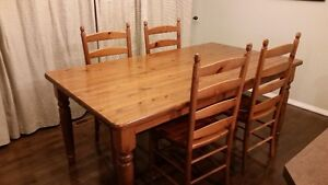 Dining Room Table Set and 4 Chairs