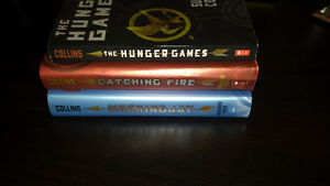 THE HUNGER GAMES TRILOGY - used