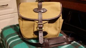 Filson Field Twill Bag/Small Tan. New wTags. Broadview-Gerrard