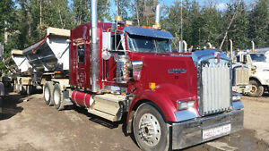 Kenworth W900 - Rebuilt Immaculate Condition
